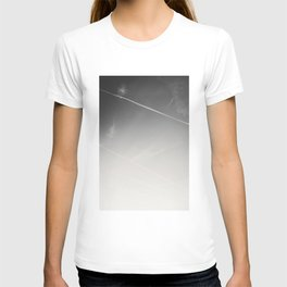aweseome picture of contrails in the sky T-shirt