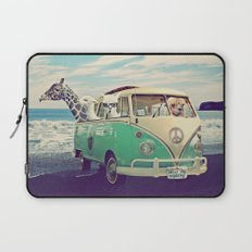 NEVER STOP EXPLORING THE BEACH Laptop Sleeve