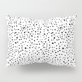 spotty dotty in black and white Pillow Sham