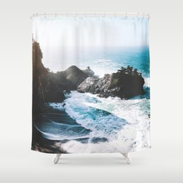 ocean falaise Shower Curtain