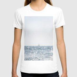 Sail Boat on the Ocean Seascape Beach Colored Wall Art Print T-shirt