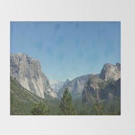 Yosemite National Park. Tunel view. California Throw Blanket