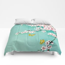 Dreamy cherry blossom Comforters