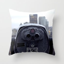 turn to clear vision Throw Pillow