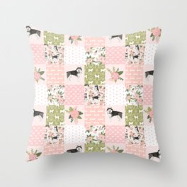 Alaskan Malamute quilt cheater home decor dog gifts by pet friendly Throw Pillow