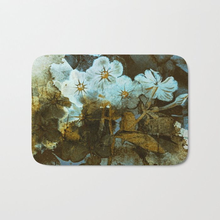 Fower in winter Bath Mat