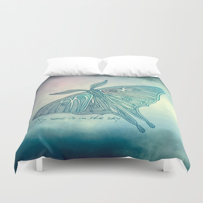 My soul is in the sky Duvet Cover