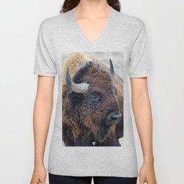 OLena Art Bison the Mighty Beast - Bison das mächtige Tier North American Wildlife Unisex V-Neck