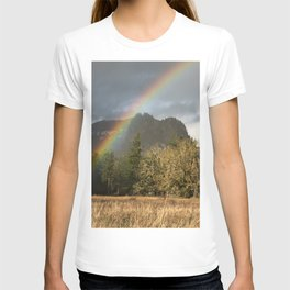 Beacon Rock Rainbow Nature Photography T-shirt