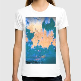 Abstract Complementary Color Rusty Metal Detail T-shirt