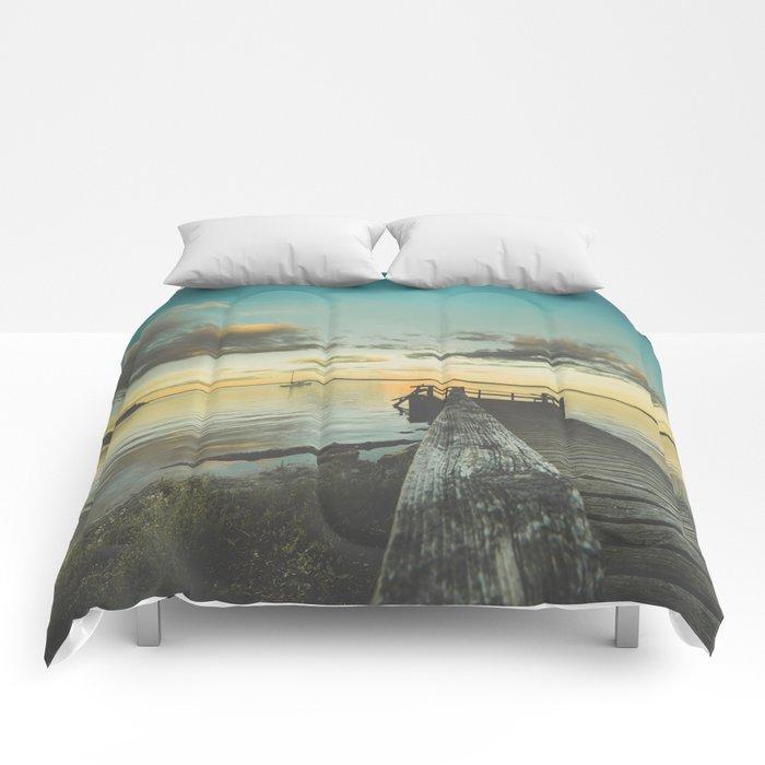 Dating Alice in wonderland Comforters