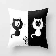 Catch the mouse Throw Pillow
