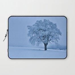 Solitary Snow Tree - Landscape Photograhpy Laptop Sleeve