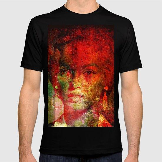 Marilyne behind the mirror T-shirt