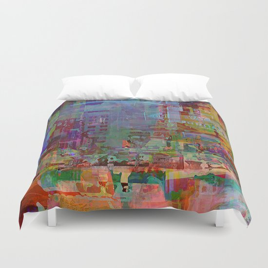 Somewhere in the city Duvet Cover