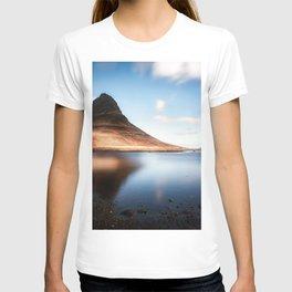 Kirkjufell Mount lake mountains Icelandic landmarks Europe Kirkjufell Iceland T-shirt