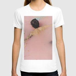 Harry Styles - pink T-shirt