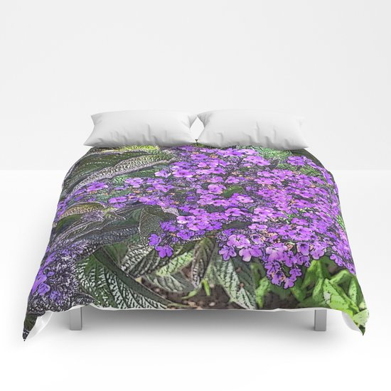 Spring floral blossom in lilac and green  Comforters