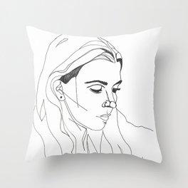 KING LYNN GUNN / PVRIS Throw Pillow
