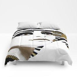 la sfinge cambia look (particolare2) Comforters