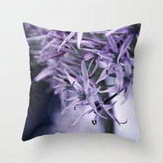 allium bokeh Throw Pillow
