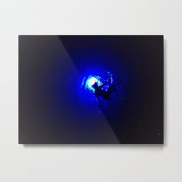 Acrobate de la Mer et Sa Silhouette Metal Print