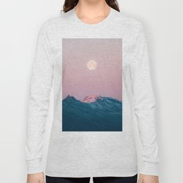 Moon and the Mountains – Landscape Photography Long Sleeve T-shirt