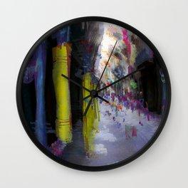Motion insisting on construct/demolish dynamics, 2 Wall Clock