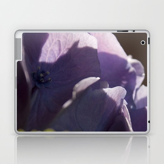Whispers of happiness Laptop & iPad Skin