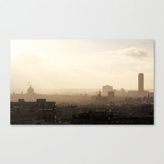 Paris shines through Canvas Print