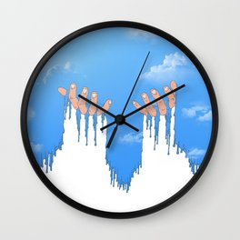 Le ciel coule sur mes mains Wall Clock