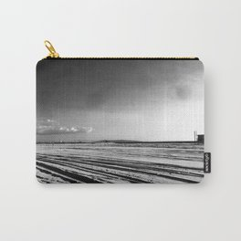 La mère en noir Carry-All Pouch