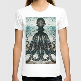 Octopus In Stormy Water T-shirt