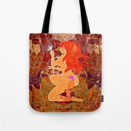 Frau mit roten Haaren und Schmetterling Tote Bag
