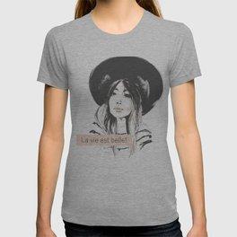 La vie est belle Fashion Illustration T-shirt