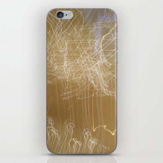 Screaming Fairies. iPhone & iPod Skin