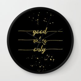 TEXT ART GOLD Good vibes only Wall Clock