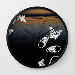 Beach noir Wall Clock