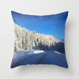 Stavliheia Throw Pillow