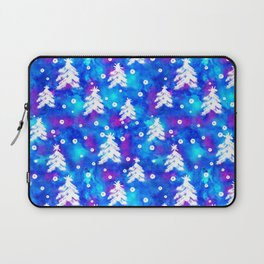 Watercolor Seamless pattern with hand drawn snowflakes and christmas tree . Laptop Sleeve
