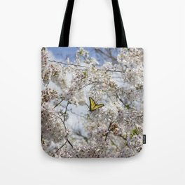 Swallowtail Butterfly in Cherry Blossoms Tote Bag