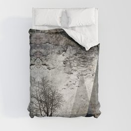 TREES besides MAGIC MOUNTAINS I Comforters