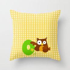 o for owl Throw Pillow