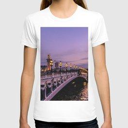 Sunset over Paris Bridge (Color) T-shirt