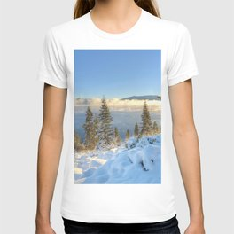 California USA Lake Tahoe Sierra Nevada Winter Nature Snow forest Scenery Forests landscape photography T-shirt