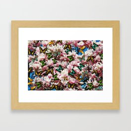 Magnolie mit Schmetterlingen  Framed Art Print