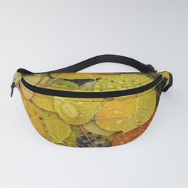 Water droplets on autumn aspen leaves Fanny Pack
