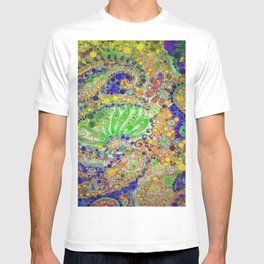 :: When Riding a Paisley TIger :: T-shirt
