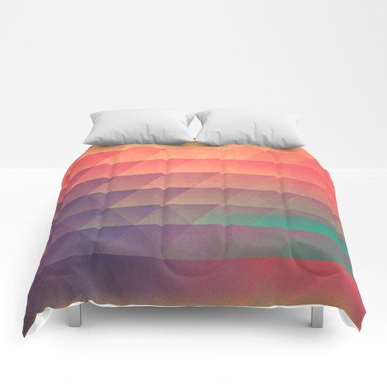 nww phyyzz Comforters