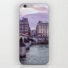 Le Pont Royal, Paris. iPhone Skin